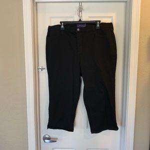 NYDJ Black Cropped Jeans with Back Pocket Design
